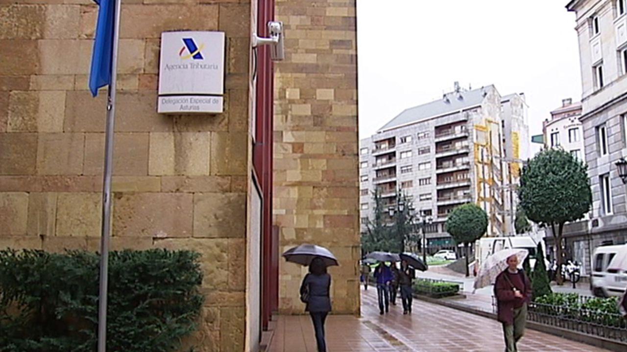 Delegación de Hacienda en la calle Alonso Quintanilla, Oviedo