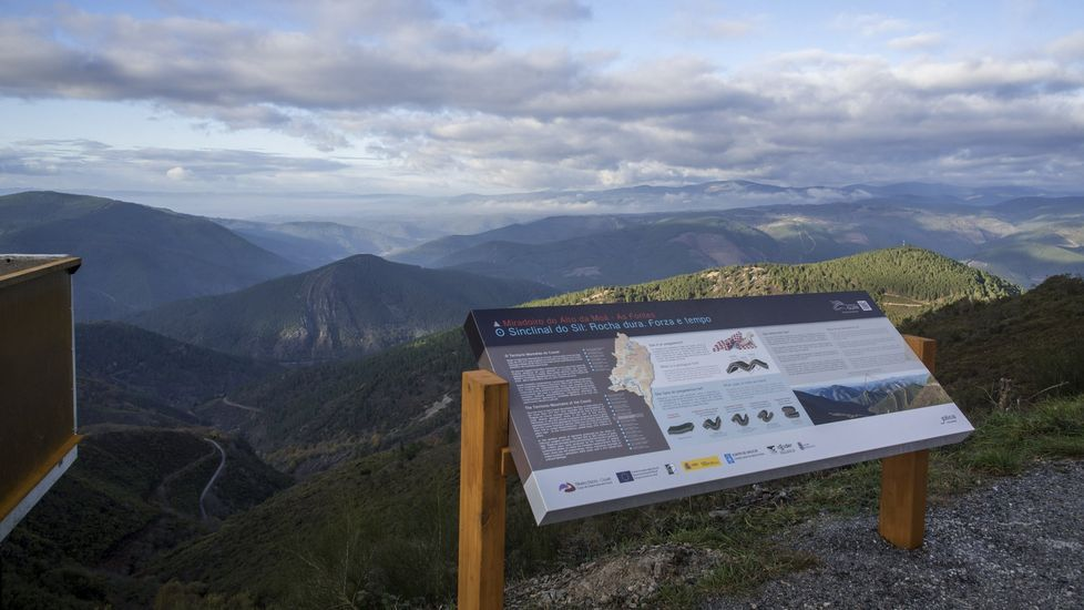Mirador geológico de As Fontes, en la sierra de A Moá, en el municipio de Ribas de Sil
