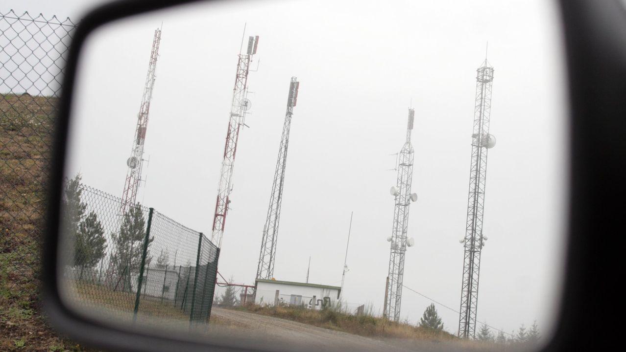Antenas de telefonía y televisión en el monte Marroxo, en una imagen de archivo