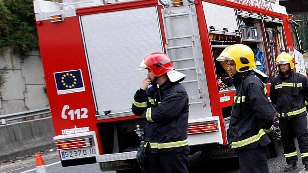 Imagen de archivo de una intervención de los bomberos de Betanzos .