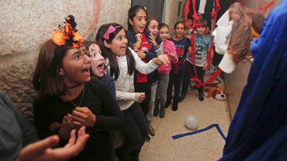 Vecinos deCampos de Mirabelreparten sustos y diversión en Halloween.Celebración del Samaín en el CEIP Praza de Barcelos. Halloween