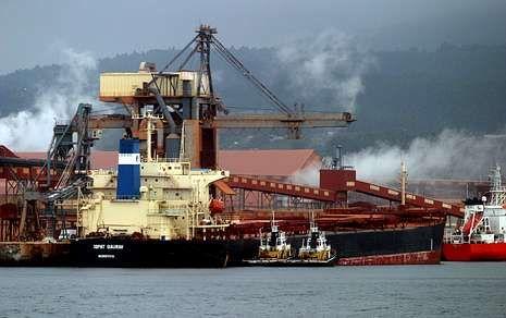 El puerto de San Cibrao (Lugo) recibe barcos procedentes de Liberia o Guinea-Conakry.