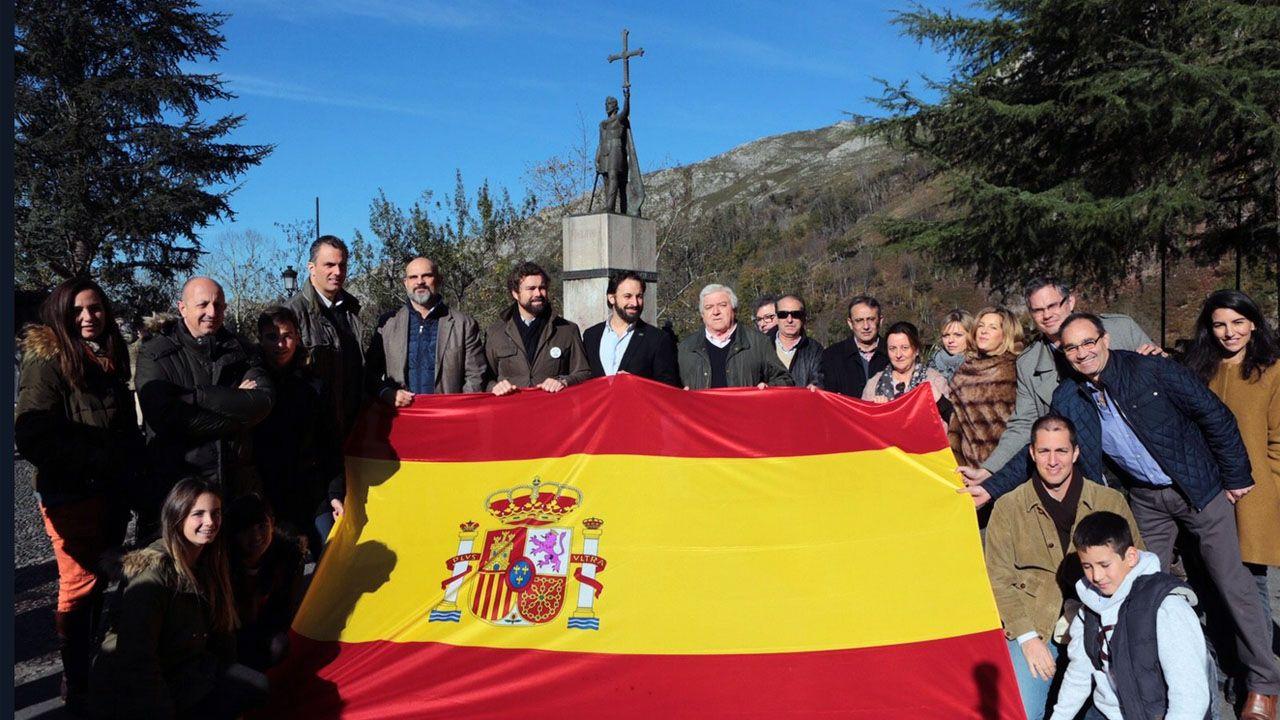 El inicio de campaña de Vox en Covadonga en 2015