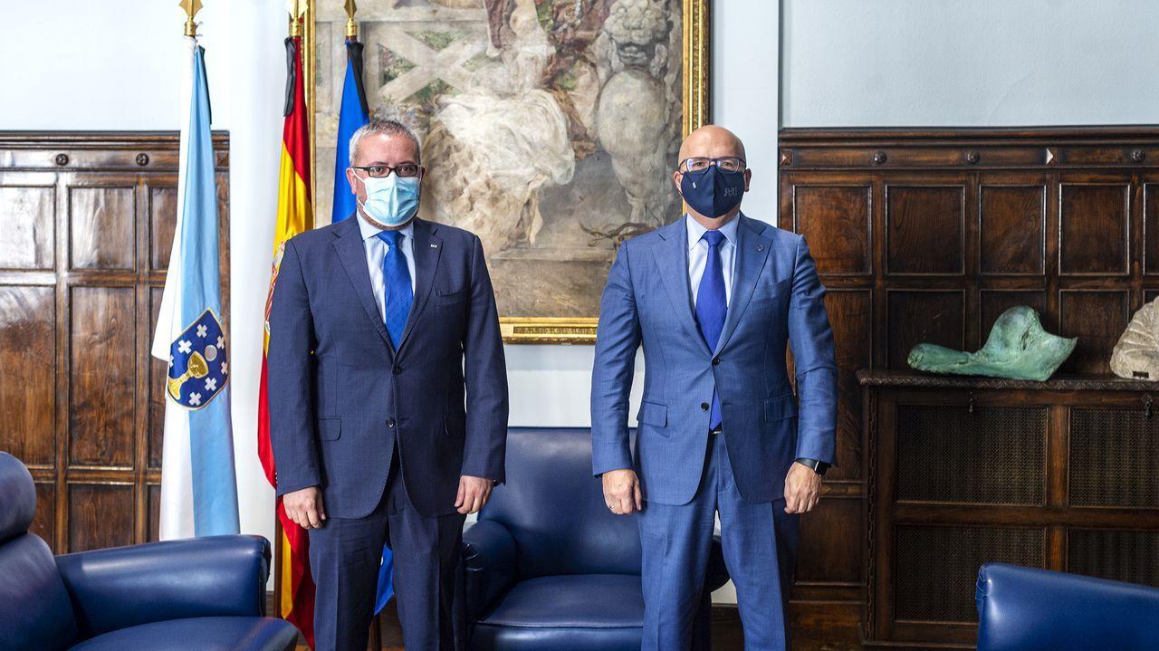 César Fernández y José Manuel Baltar, en el despacho de este último en la Diputación ourensana