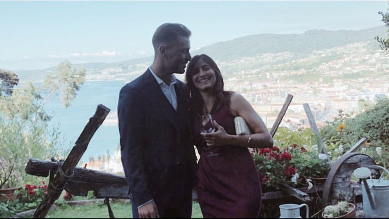 Clara Calsina, mujer de Fontás (asuente por no haber acabado la temporada en Estados Unidos), con la pareja