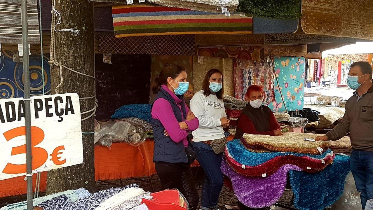 Por primera vez los trabajadores de la feria de Valença y todos los vecinos hacían uso obligatorio de la mascarilla