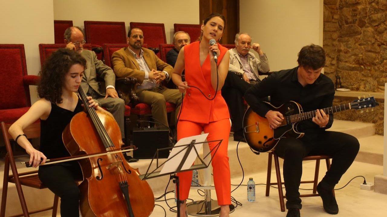 Sabela canta poemas de Rosalía