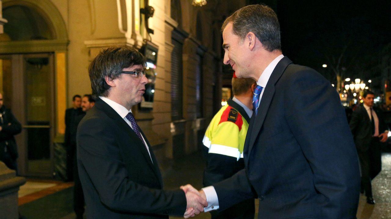 En febrero del 2016, Felipe VI y Carles Puigdemont, entonces presidente de la Generalitat, coincidieoron durante la inauguración del Mobile World Congress de Barcelona