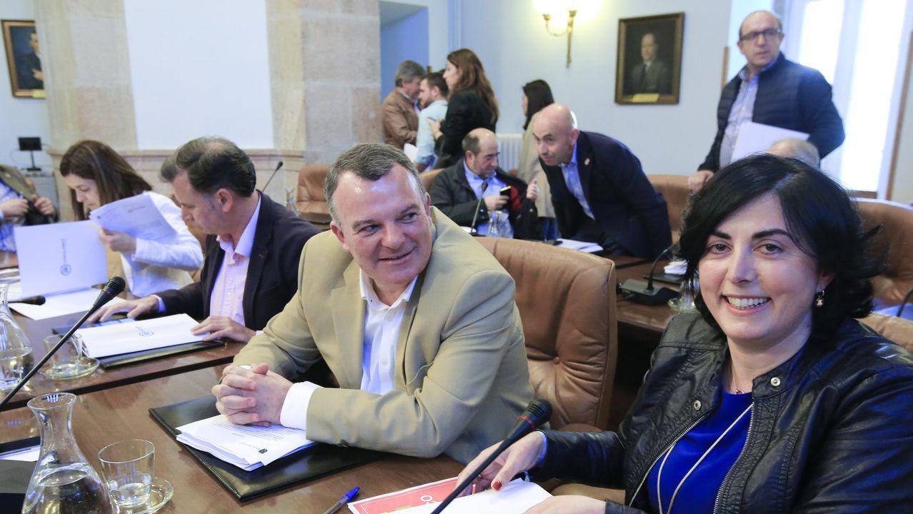Todos los rostros del nuevo Gobierno de coalición.Pedro Sánchez, al finalizar la segunda sesion del pleno de investidura el pasado día 5