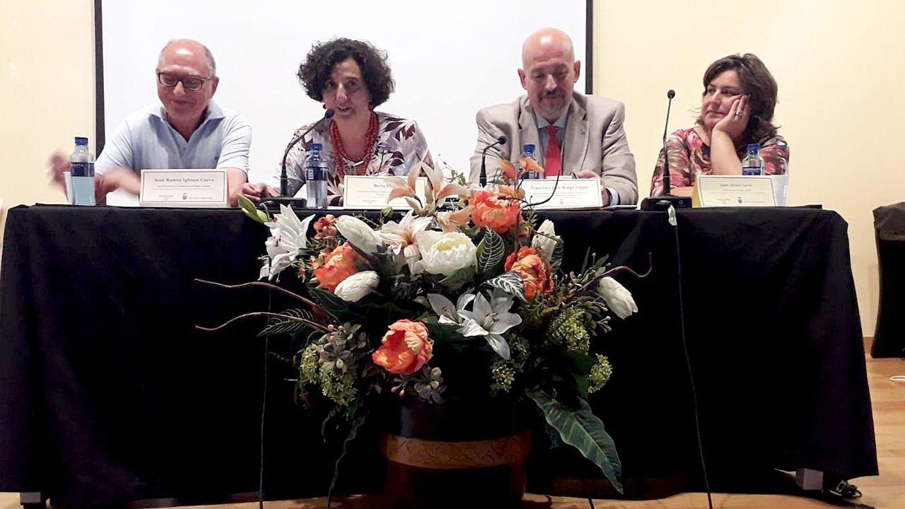De China a Cangas pa falar asturianu.La conseyera de Cultura, Política Llingüística y Turismu, Berta Piñán, na inauguración de la Universidá Asturiana de Branu (Uabra)