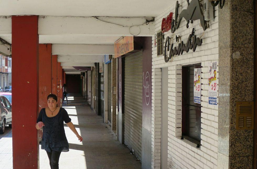 Imagen de la calle Duquesa de Alba, que concentra el mayor número de locales de copas.