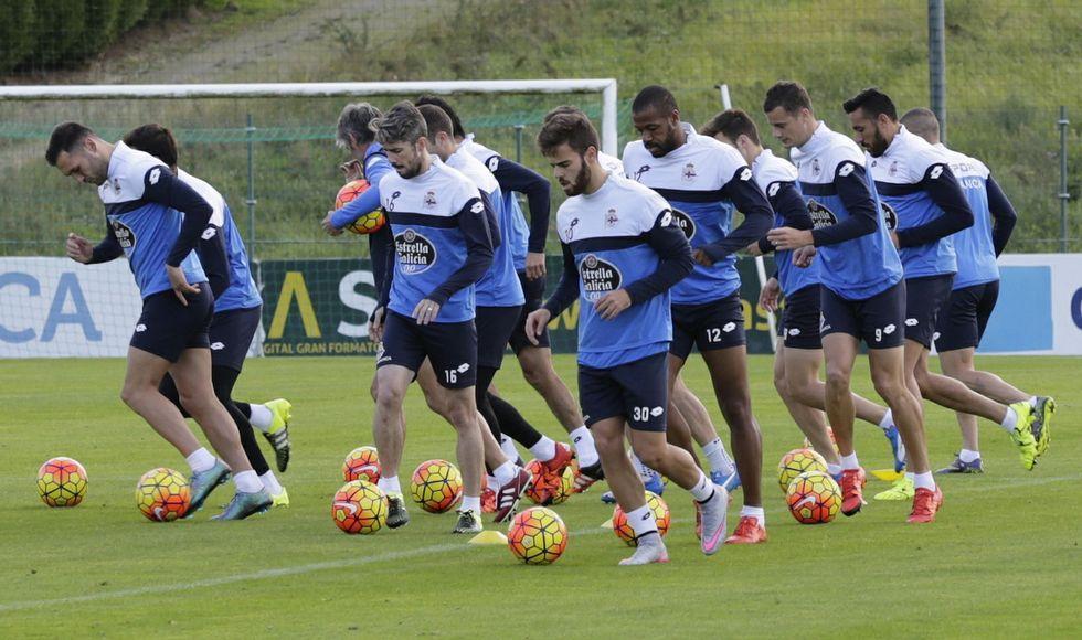 El regreso de Irureta a A Coruña.El Deportivo trabaja en la idea de realizar todos los entrenamientos a puerta cerrada.