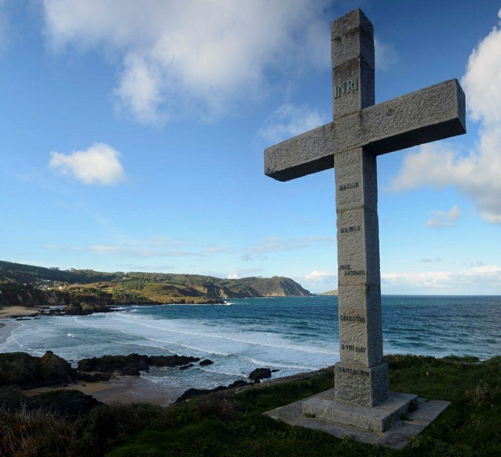 La cruz de San Román evoca a náufragos muertos en 1957.