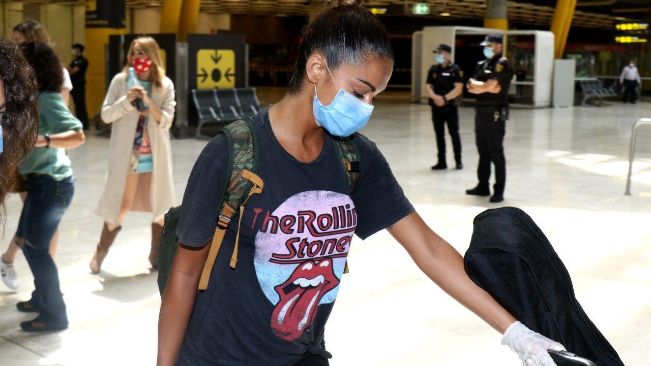 Lara Álvarez, en el aeropuerto de Barajas