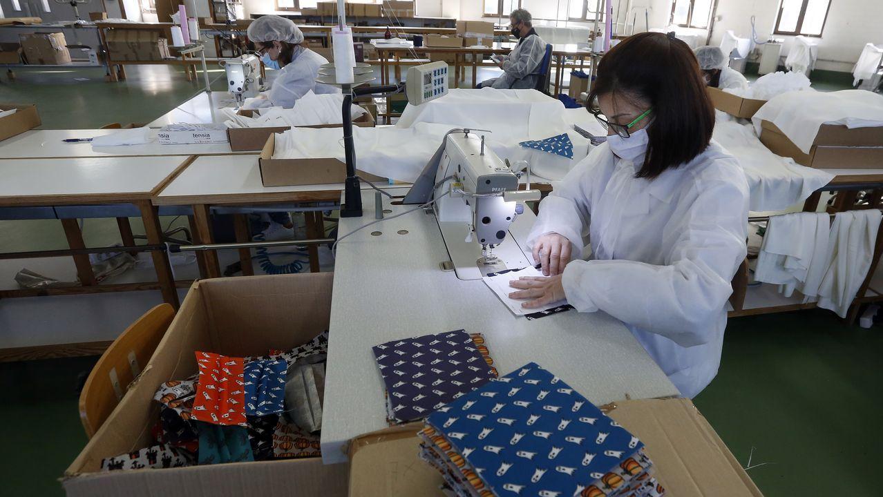 ¿Cómo avanza la investigación del CSIC en busca de la vacuna contra el covid?.Cada día se realizan en el hospital de Barbanza decenas de pruebas PCR para detectar nuevos positivos