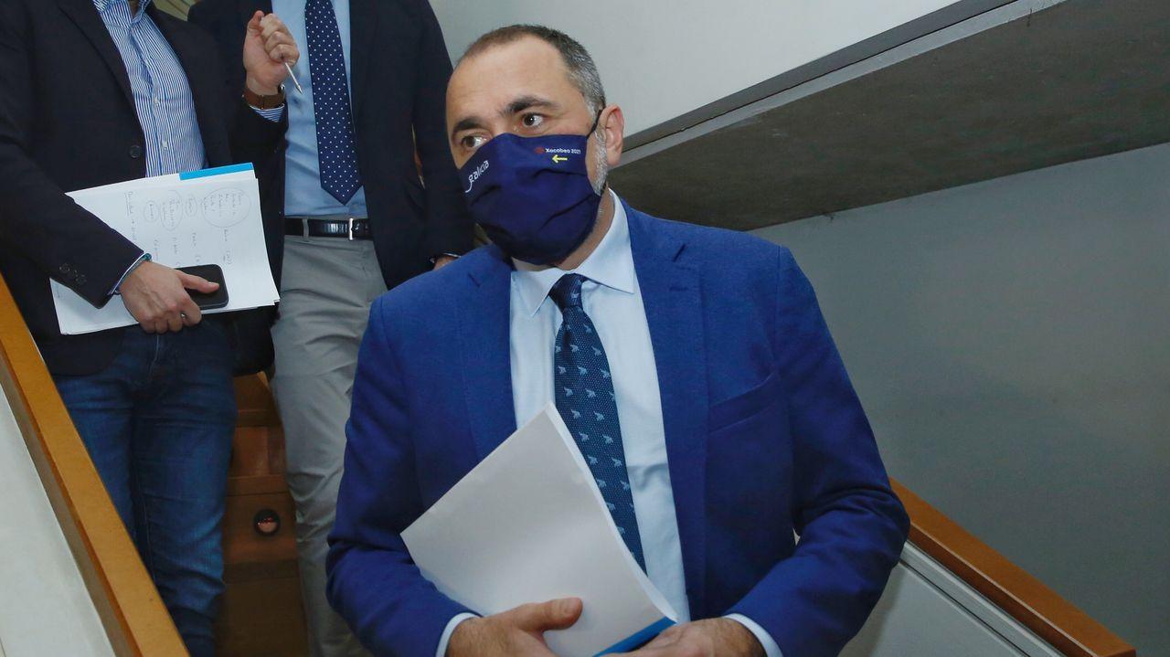 El conselleiro de Sanidade, Julio Garcia Comesaña