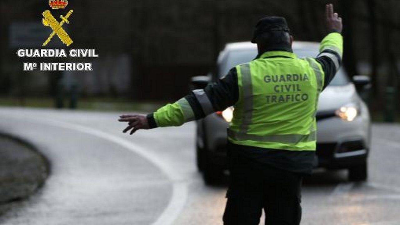 guardia civil asturias.Imagen de archivo del parque de bomberos de Ponteareas