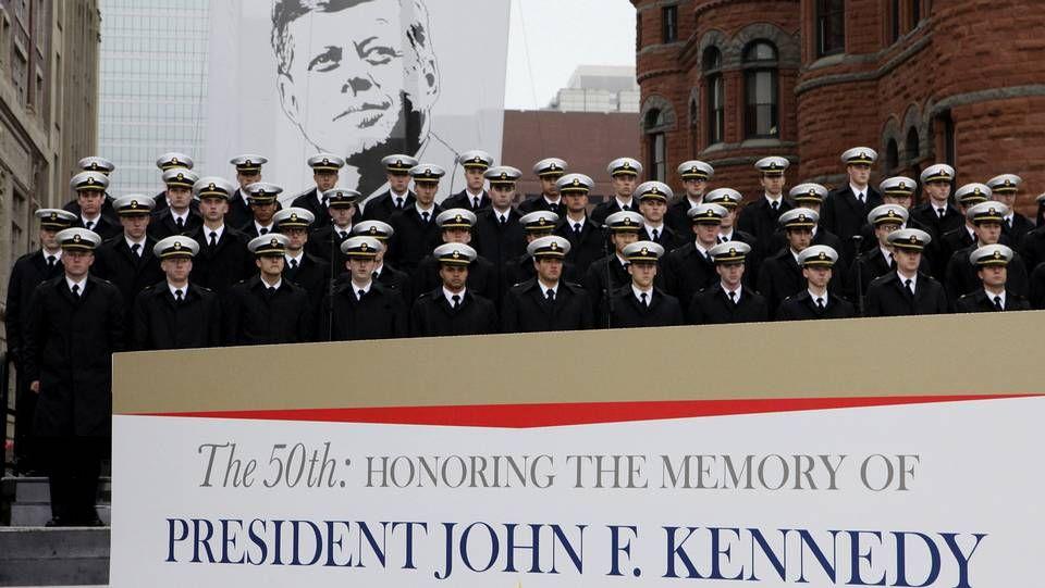 Estados Unidos recuerda a Kennedy.Robert Coover (Iowa, 1932).