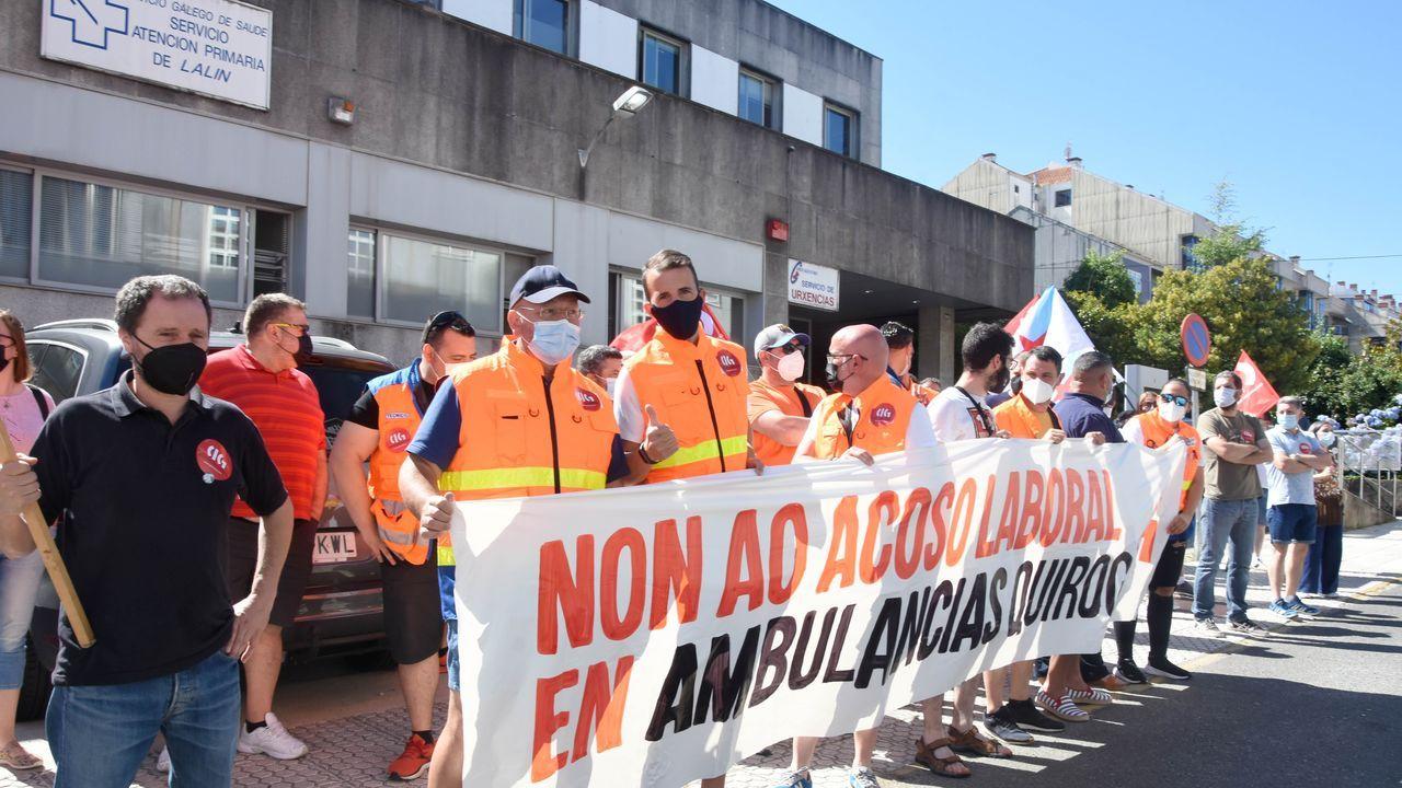 Manifestación en favor de la permanencia de Ence en Lourizán.Policías locales