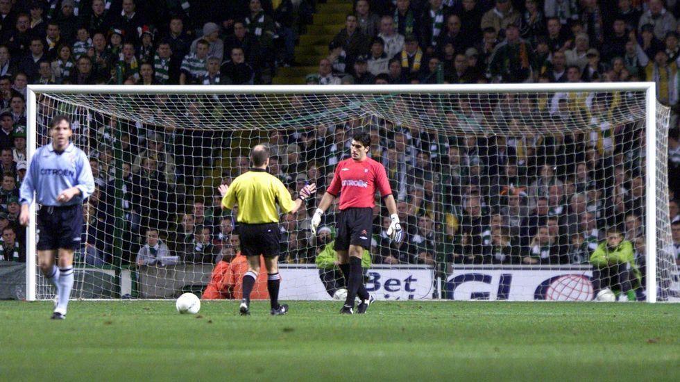 Contra el Celtic en Gaslgow en noviembre del 2002