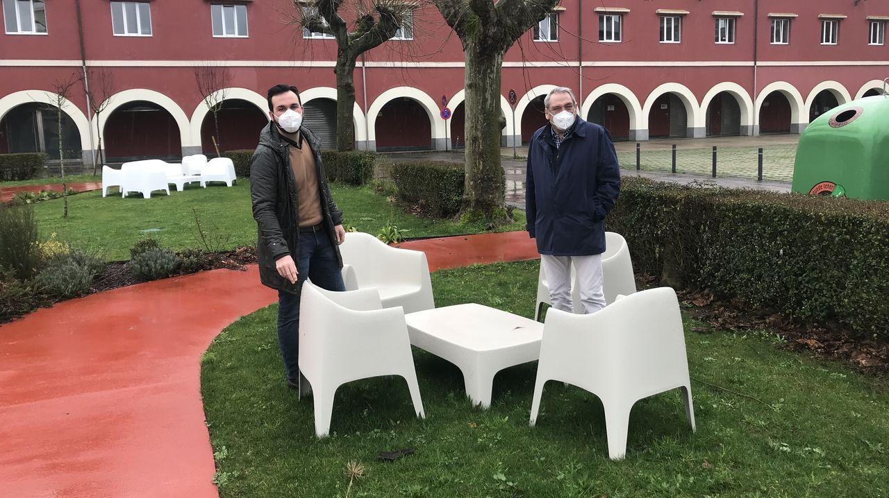 Los caniles de Lugo a revisión.Los concejales del PP ante el mobiliario que se compró con un contrato menor en el CEI Nodus