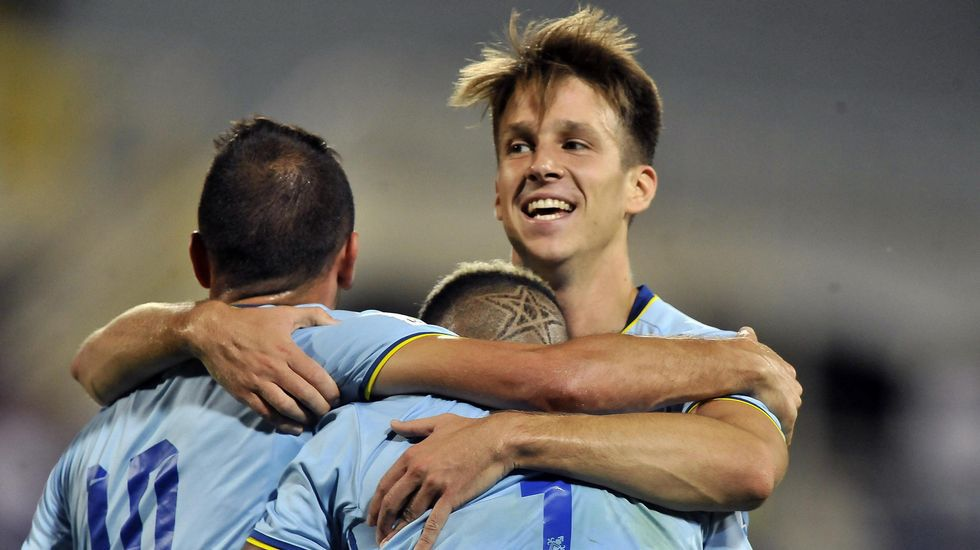 Señé, Aspas y Bongonda celebran el gol en Florencia