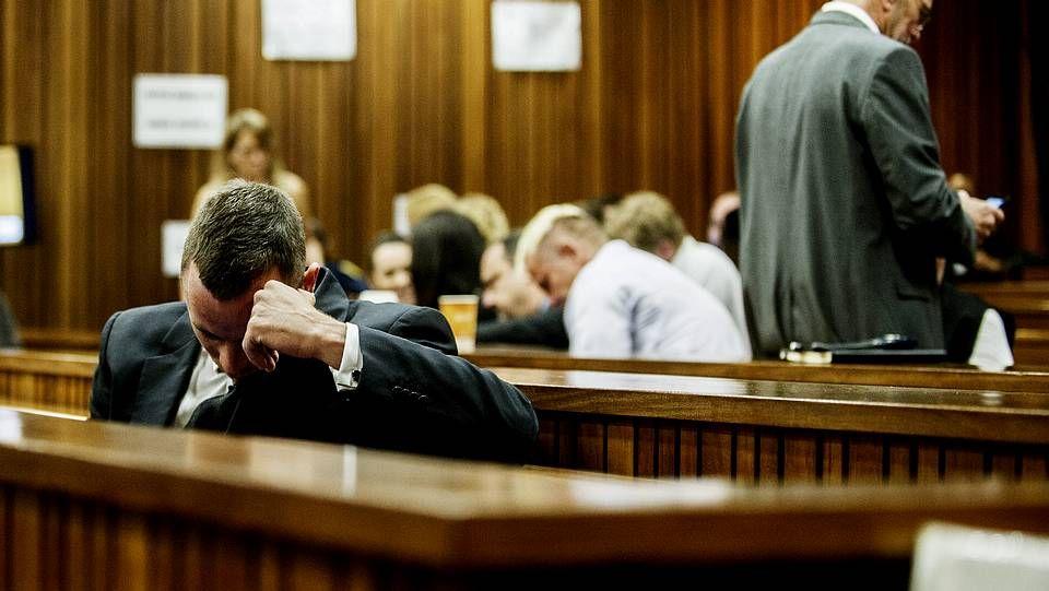 Oscar Pistorius durante la jornada del jueves de su juicio
