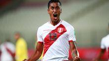 Las imágenes de la celebración del gol de Tapia con Perú ante Brasil