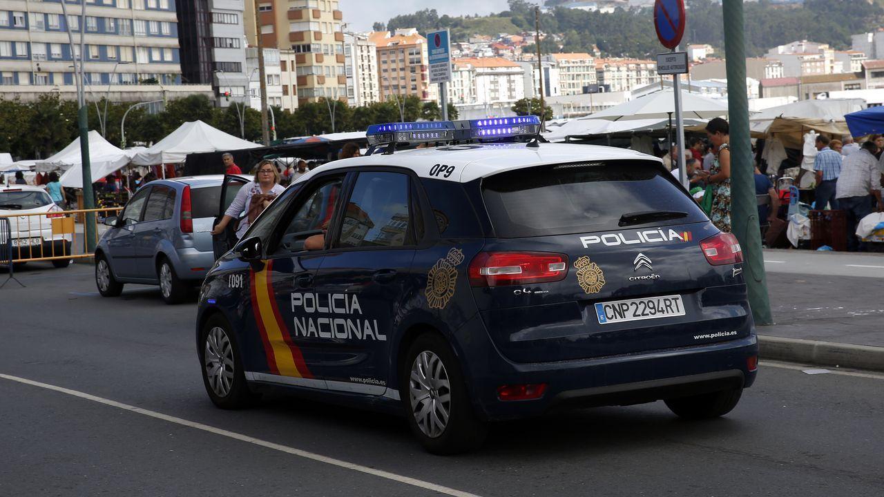 Búscate en la comida solidaria de la asociación de afectados de lupus.Nueva sede de la Audiencia Provincial de A Coruña