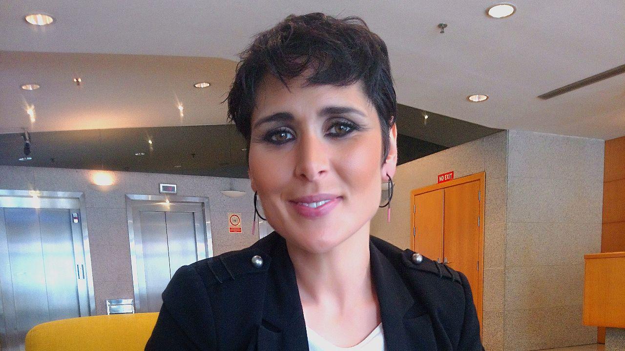 Blanca Villa en «La Voz Senior».Portada do libro «Radio Bulebule», de Paco Nogueiras