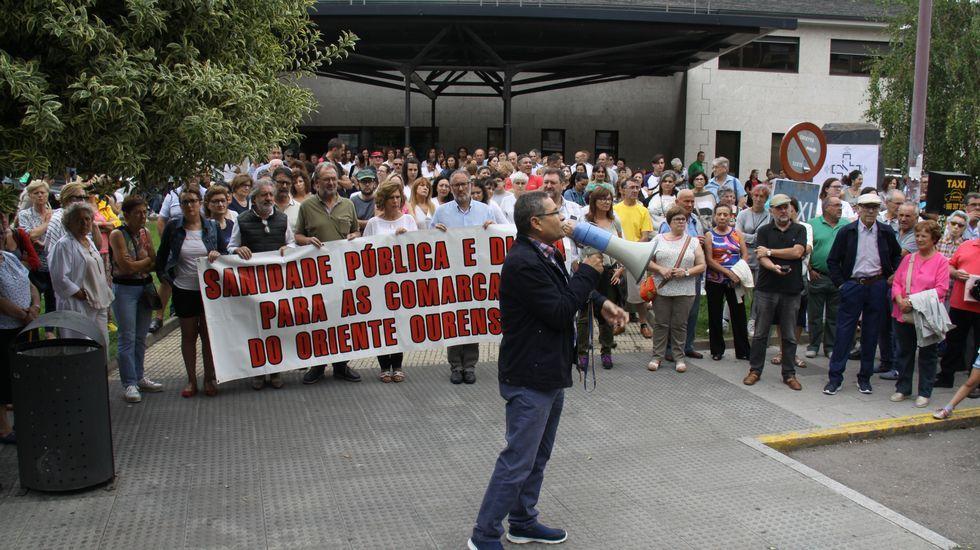 Castro Candaz emerge de nuevo por la sequía.El miércoles pasado hubo una primera concentración en O Barco