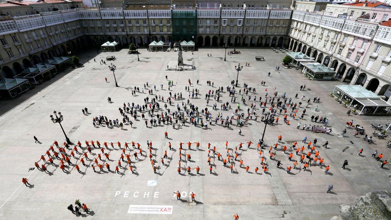 Imagen de archivo de una concentración de trabajadores de Alu Ibérica en María Pita