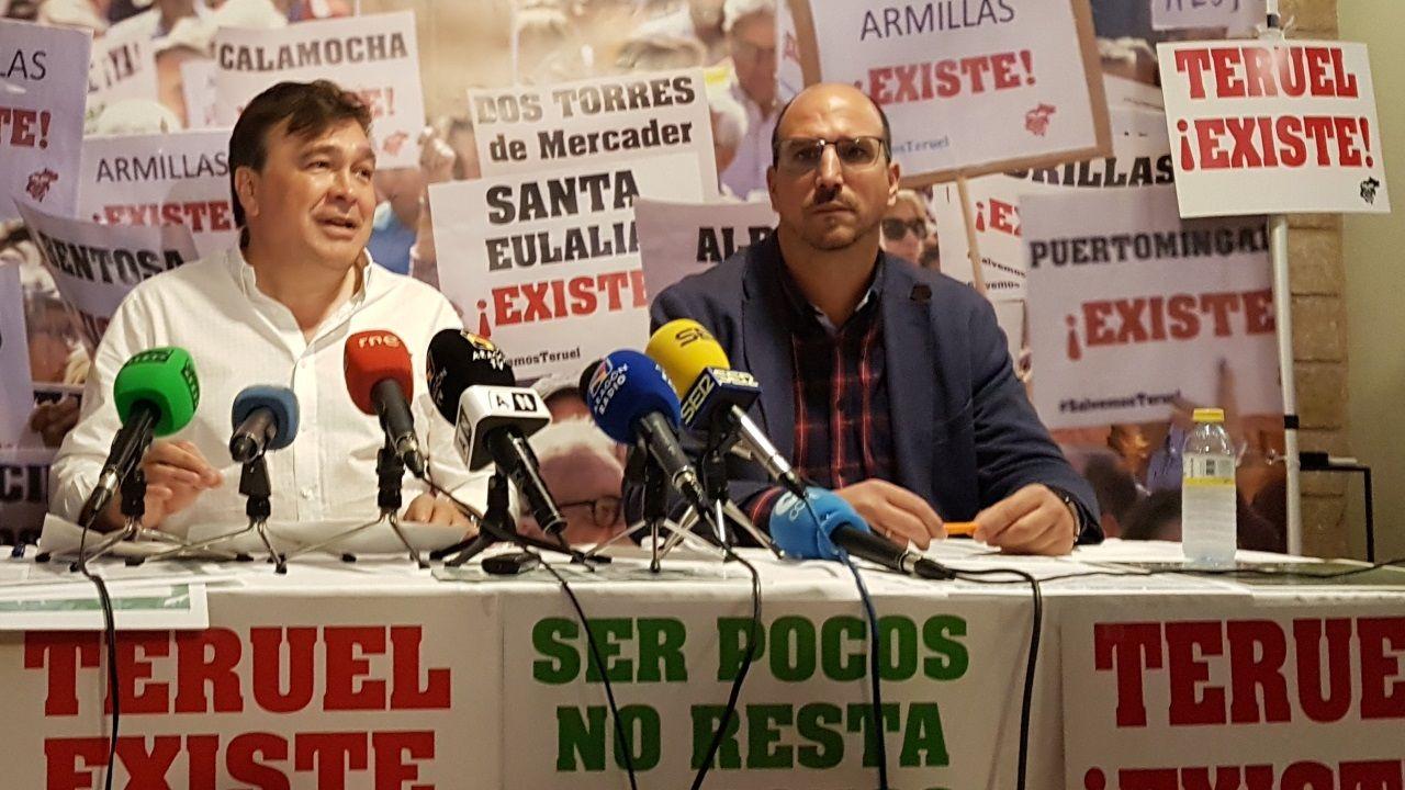Joaquín Egea, a la derecha, senador por Teruel Existe