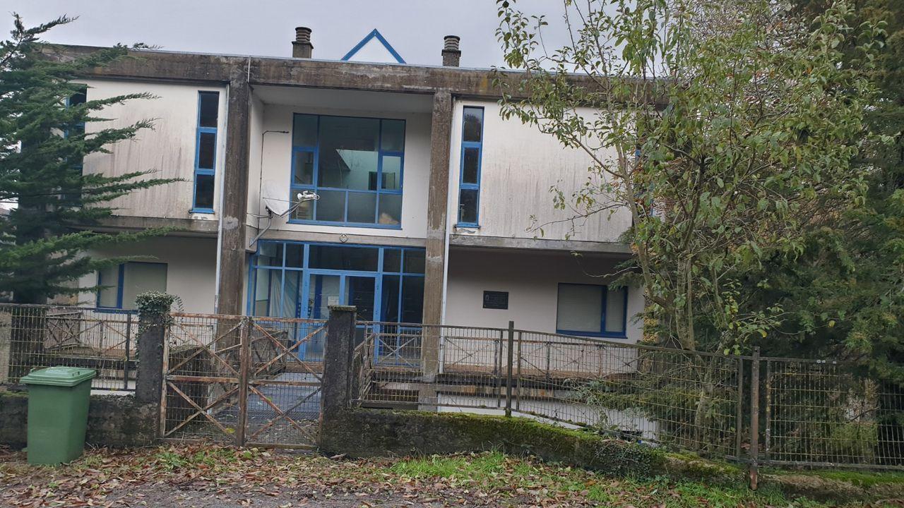 Así está el colegio de Lóuzara