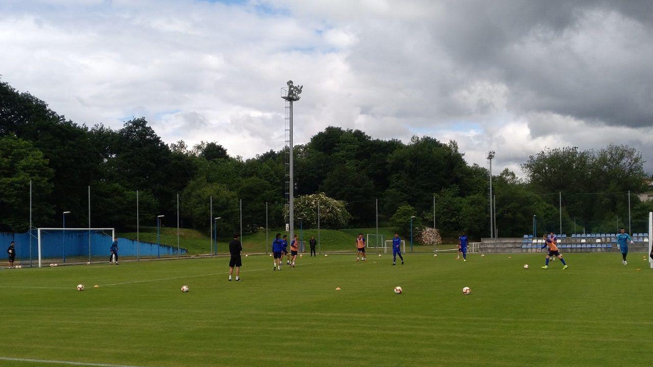 Egea Requexon Real Oviedo.Los jugadores del Real Oviedo en El Requexón