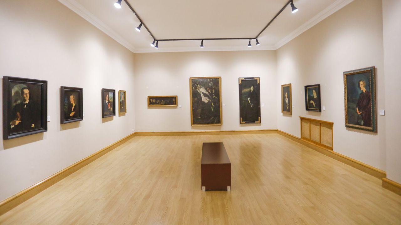Los usuarios de la residencia de Pol mandan ánimos a sus familias.Sala de Jesús Corredoira en el Museo Provincial de Lugo