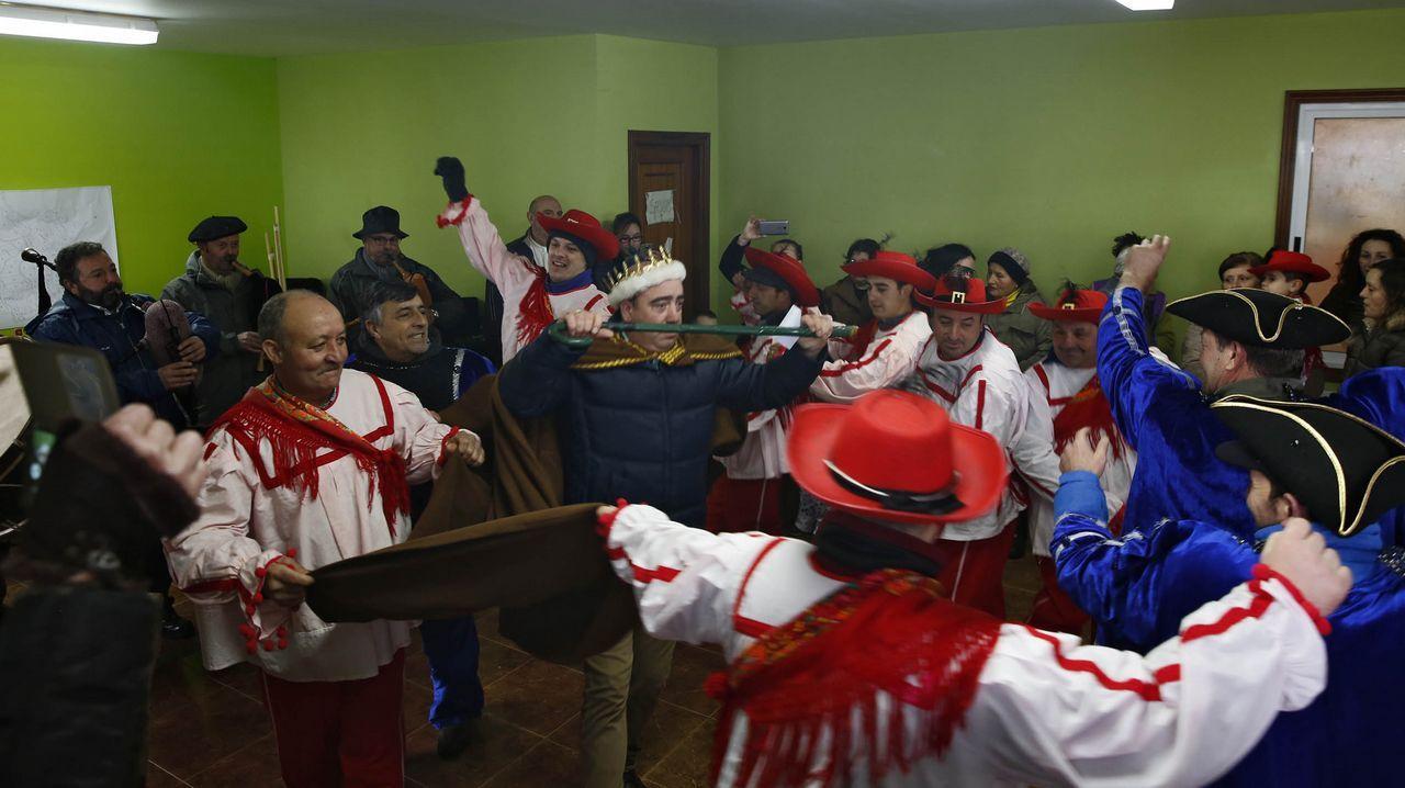 O luns representáronse os entremeses en Vilaverde e houbo festa no centro social