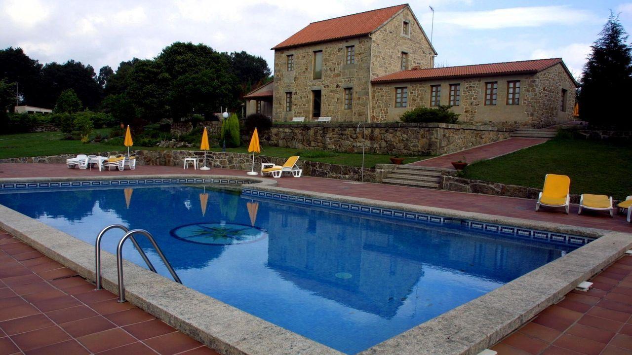 Las piscinas son uno de los servicios que muchos amantes del turismo rural demandan cuando planean una escapada