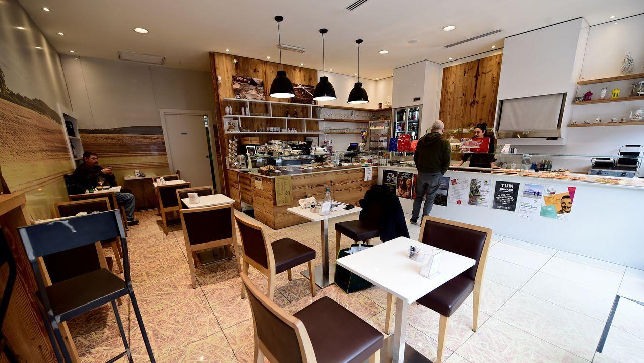 Cafetería desierta en Turín