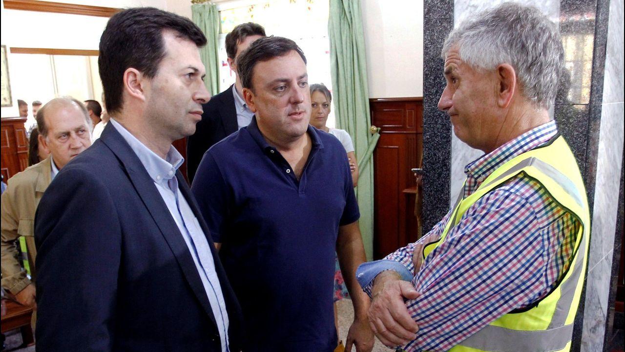 Gonzalo Caballero y Valentín González Formoso, reunidos con los colectivos que dependen de la térmica de As Pontes