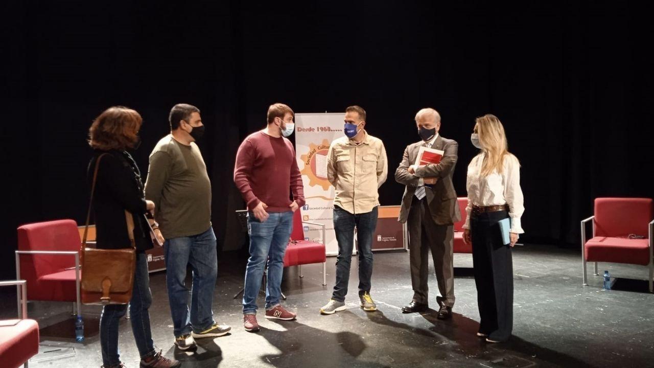 Statkraft creará un polo eólico en Ourense.Los participantes, organizadores y moderadores del acto, antes del comienzo de la mesa redonda