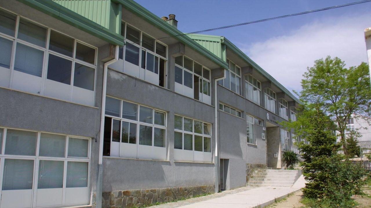 Setas de O Courel que no estaban catalogadas en la península Ibérica y en Galicia.Una vista exterior del instituto Lama das Quendas, en una imagen de archivo