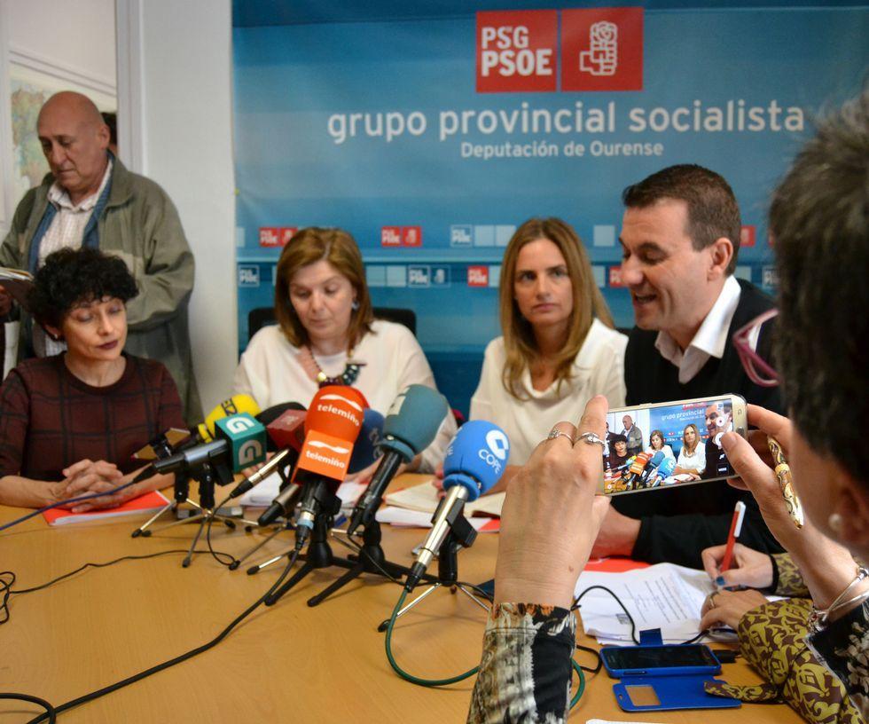 Iglesias: «Queremos un gobierno de coalición en el que tiene que estar el PSOE».Rocío Frutos, Pilar Cancela, Susana Sumelzo y Gómez.