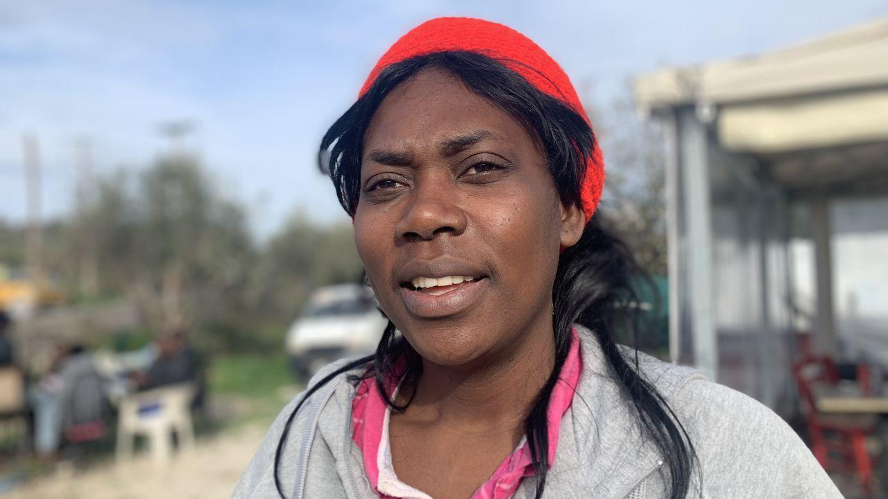 Elisabeth, de Camerún, llegó a Lesbos desde Estambul
