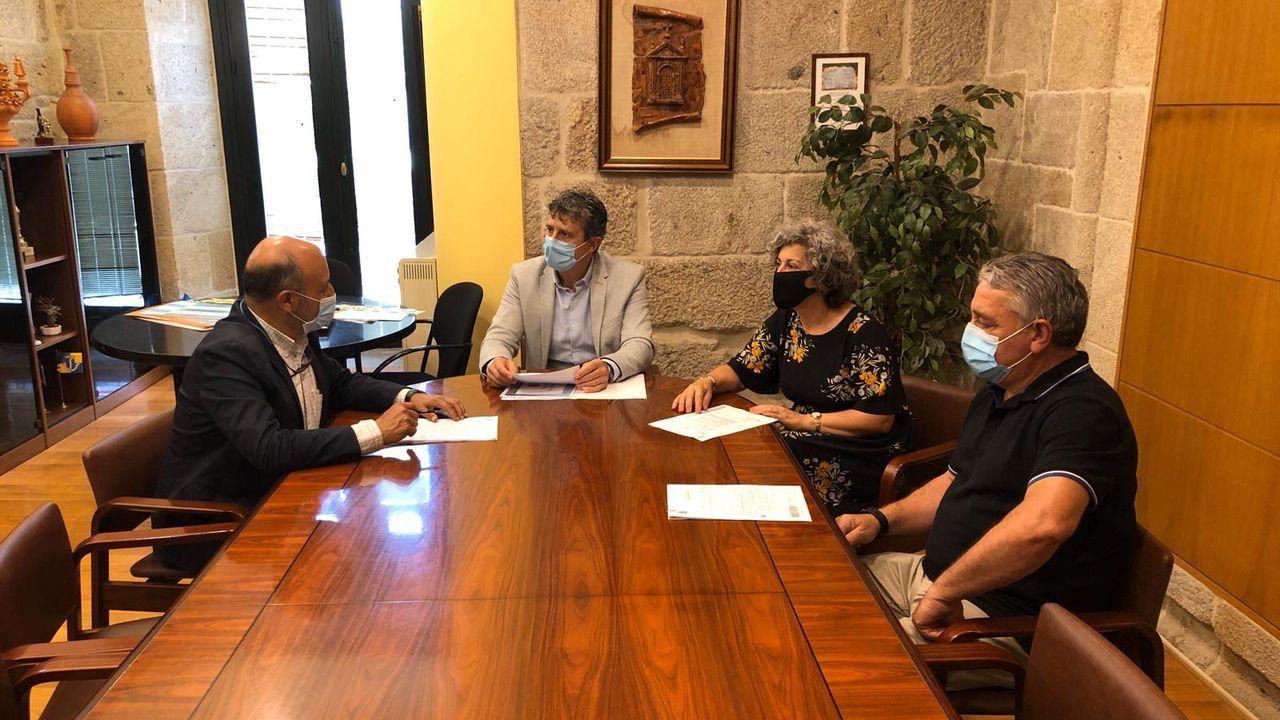 O vicevoceiro popular, Antonio Ameijide, lamenta que as empresas teñan que acudir aos xulgados para cobrar facturas