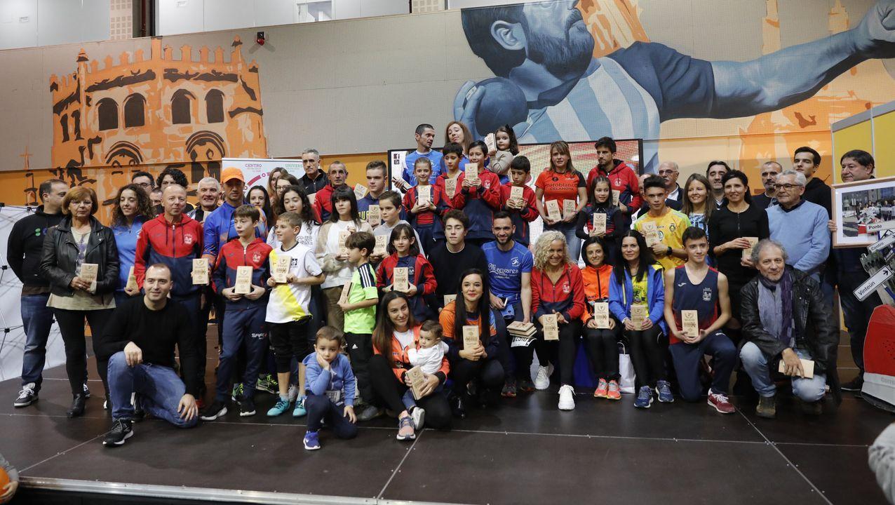 Correndo por Ourense repartió su recompensa.Miles de atletas recorrieron las calles de Ourense en la clásica atlética de otoño
