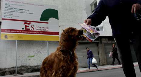 El Plan E llenó los municipios ourensanos de carteles que indicaban las obras a acometer.