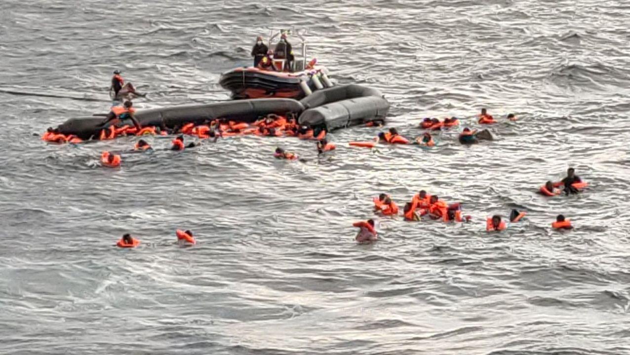 Imagen del momento del rescate del naufragio