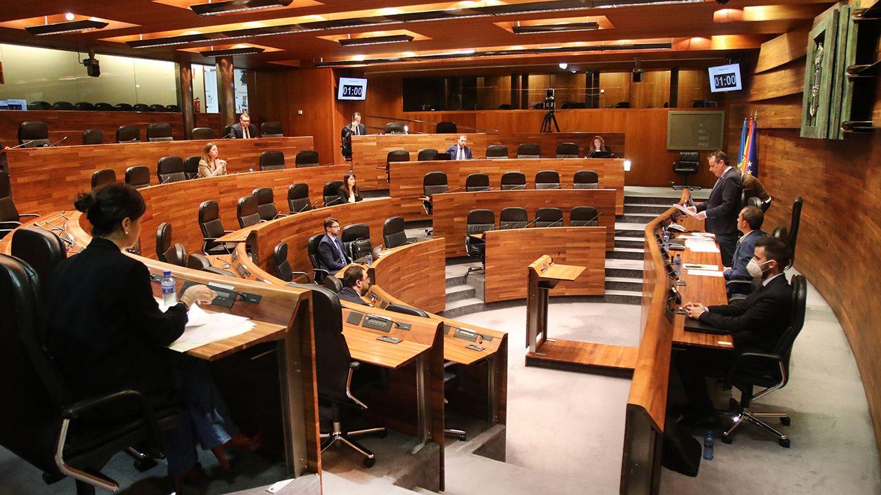 Así es la«casa» donde ha pasado Barbón el confinamiento.Pleno de la Junta General durante el Estado de Alarma, en Asturias a 6 de mayo de 2020