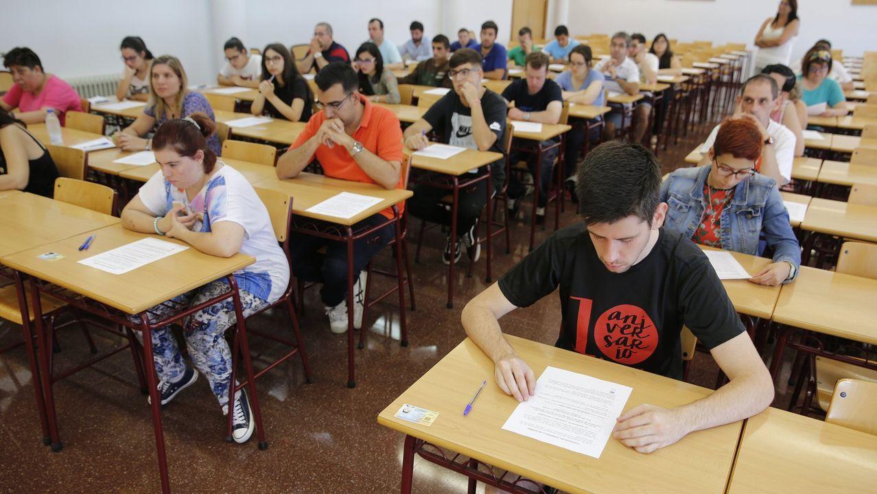 Examen de oposición de la Agencia Tributaria en la Facultad de Derecho del Campus de Elviña, en A Coruña
